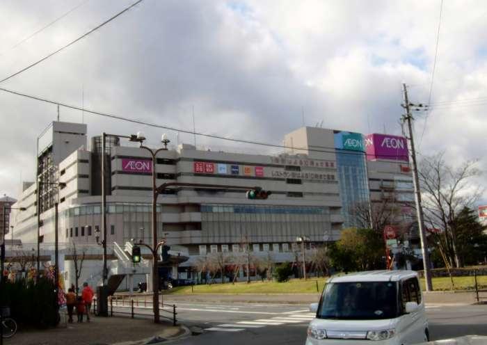 滋賀×愛人待ち合わせスポット④:イオン近江八幡ショッピングセンター